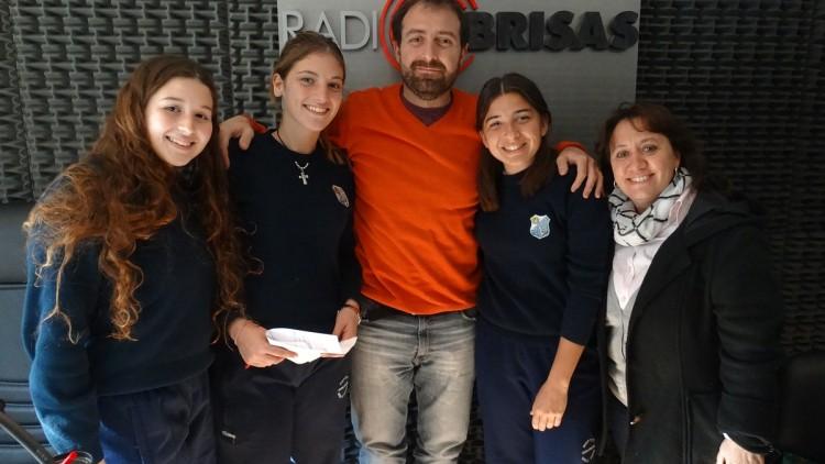 Alumnas del Stella Maris nos contaron sobre los proyectos solidarios que llevan adelante