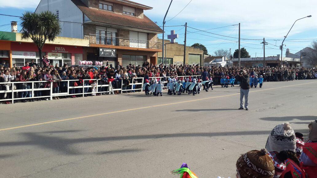 El Colegio Gianelli celebró con un gran desfile el 9 de julio