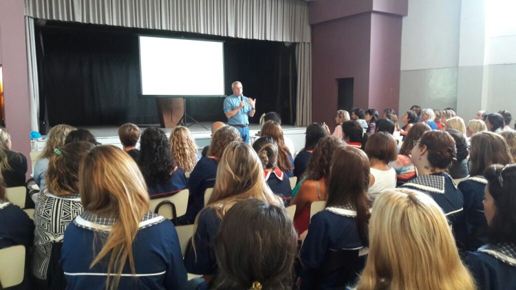 La JuREC comenzó el año capacitando a 550 docentes