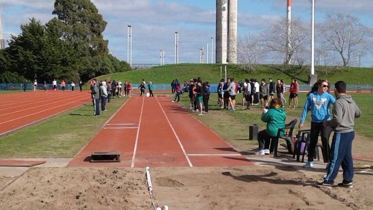 Encuentro Deportivo y Cultural: Resulados de Atletismo